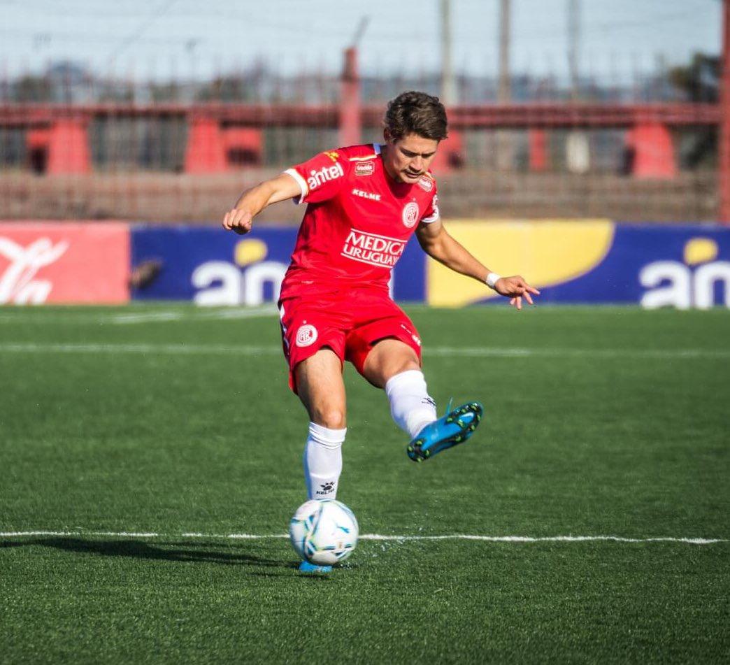 """Santiago on Twitter: """"Joaquín Sosa [19] viene siendo uno de los mejores U23  en este inicio de Campeonato. Uno de los puntos altos de Rentistas. Sólidez  defensiva, buen juego aéreo y aplicado"""