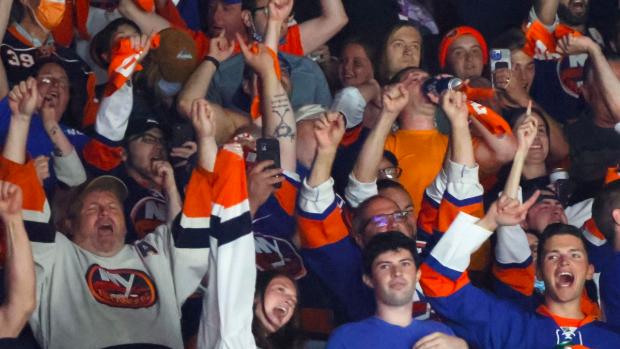 @BarDown's photo on Bruins