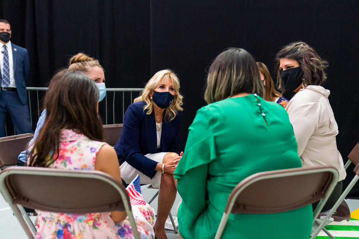 Last night, I sat down with this amazing, innovative group of US military spouses to learn more about the volunteer program they participate in at @RAFMildenhall, focusing on the well-being and emotional health of service members and their families. 1/2 https://t.co/s2WH9tBgKy