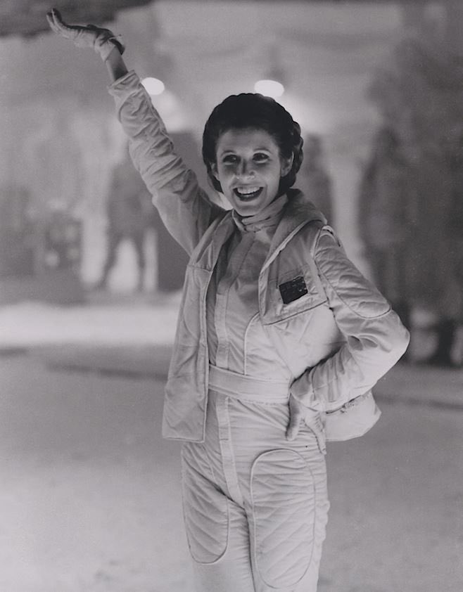 RT @SITHLEIAS: carrie fisher smiling on set is my favorite genre of photo https://t.co/B3uJSouy69
