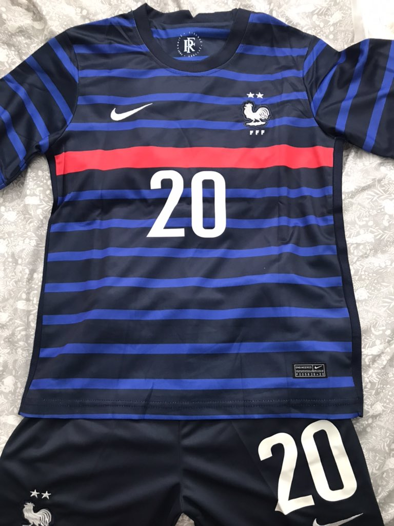 Would anyone be interested in buying either of these off me (we got the wrong sizes) France kit with personalisation 20 Cascarino XXL kids and Netherlands men's Large 14 Groenen. Both are brand new with tags, message me if interested! RT pls! https://t.co/F13dUGBebm