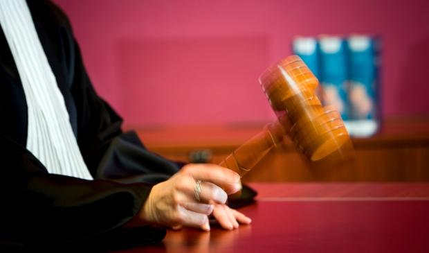 Hagenaar krijgt celstraf voor onttrekking aan gezag en ontucht met meisje uit Berghem - ..