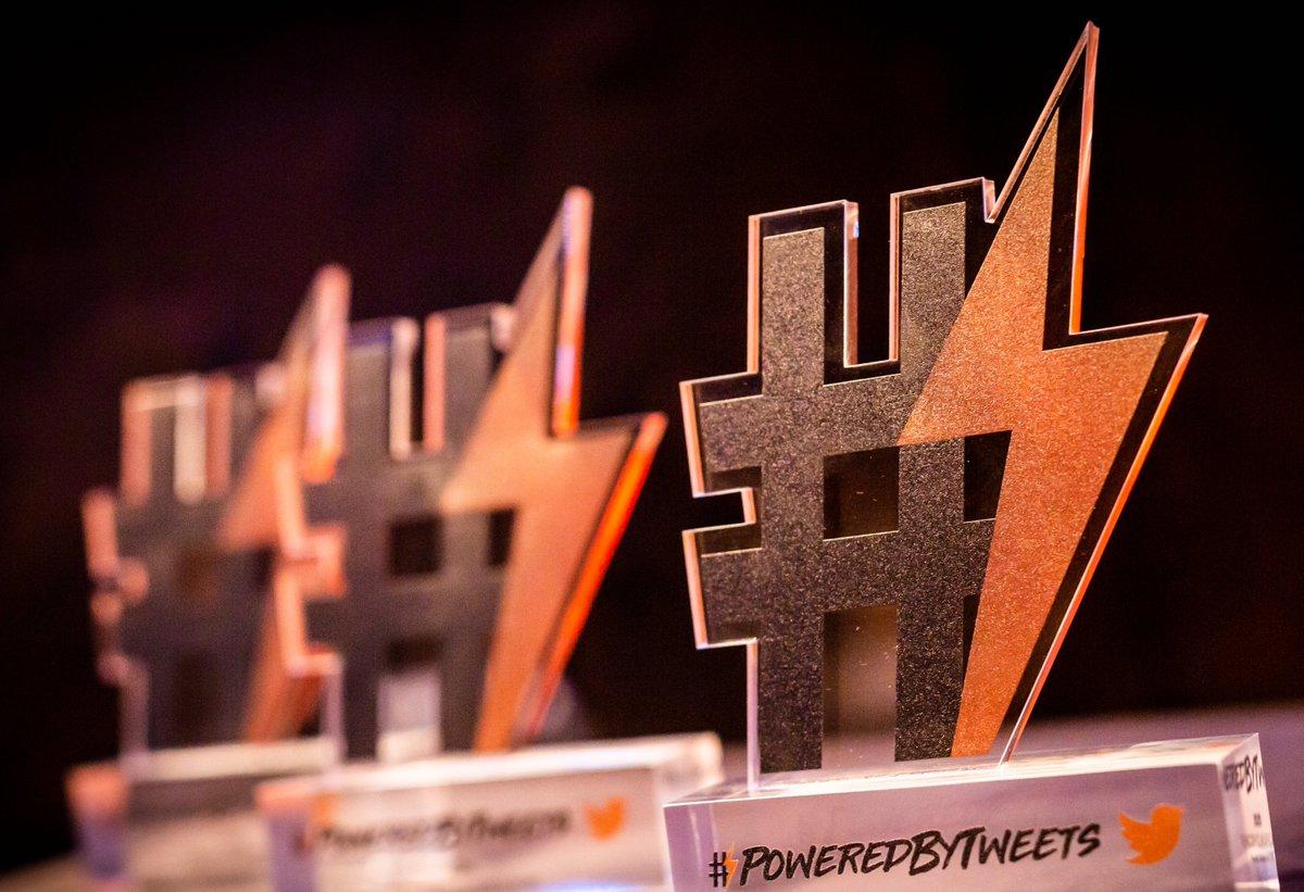 🗓 J-7  Jeudi prochain, les 6 finalistes seront sur scène à @VivaTech pour la cérémonie #PoweredByTweets ⚡️  2 façons de suivre l'événement : 🎙 Sur place à Paris Expo Porte de Versailles / Scène Discovery 💻 En live sur @TwitterMktgFR à partir de 15h40 https://t.co/7IvSHOqg1e