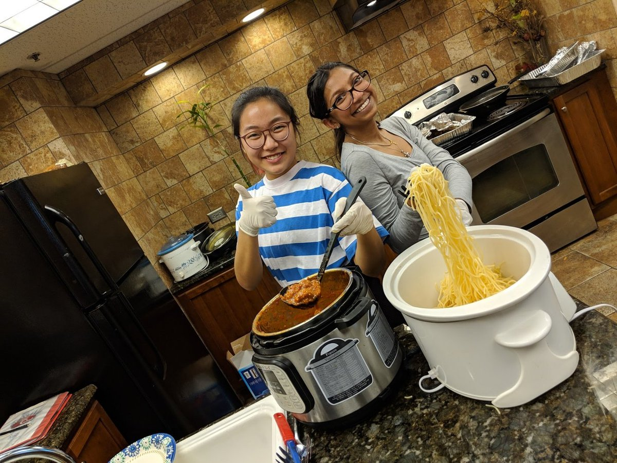 """test Twitter Media - """"There is a lot of stigma around people living with AIDS. It was eye-opening to speak with them on a more personal level."""" Leos in Texas fed into helping those living with HIV/AIDS, learning that a home-cooked meal can go a long way. Full story: https://t.co/cbqd1r2JLV https://t.co/cHlnmSRbJS"""