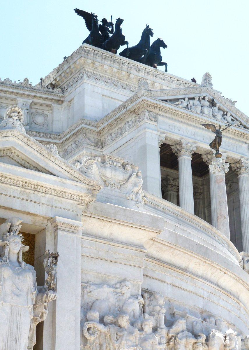 Monumento nazionale a Vittorio Emanuele II, Rome © Roland Trego #Vittoriano #MonumentoNazionaleAVittorioEmanueleII #roma #rome #italy #italia #igersroma #ig #picoftheday #ItalyTourism #RomeTourism #lupi #trastevereart #maisola #bhfyp #RolandTrego https://t.co/WIUw2IhX7q