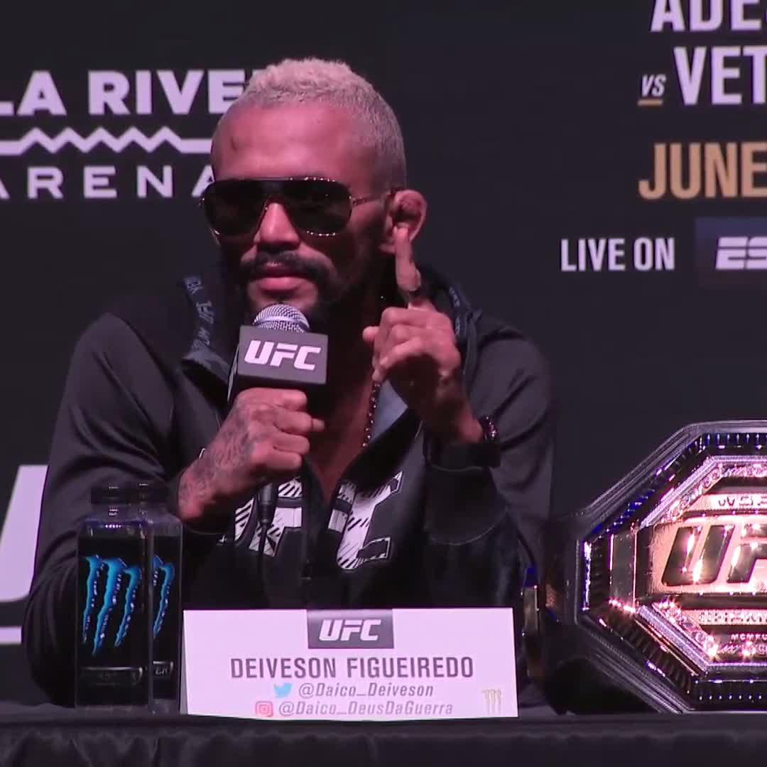 Had to say it TWICE 😤 @Daico_Deiveson. #UFC263 https://t.co/OcVbWSk4UQ