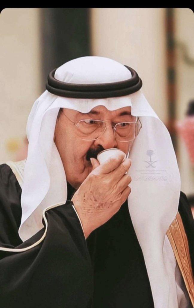 RT @abaady11_: 1436 توفي الملك عبدالله رحمه الله  وقال: لاتنسوني من دعائكم  وبالفعل الشعب...