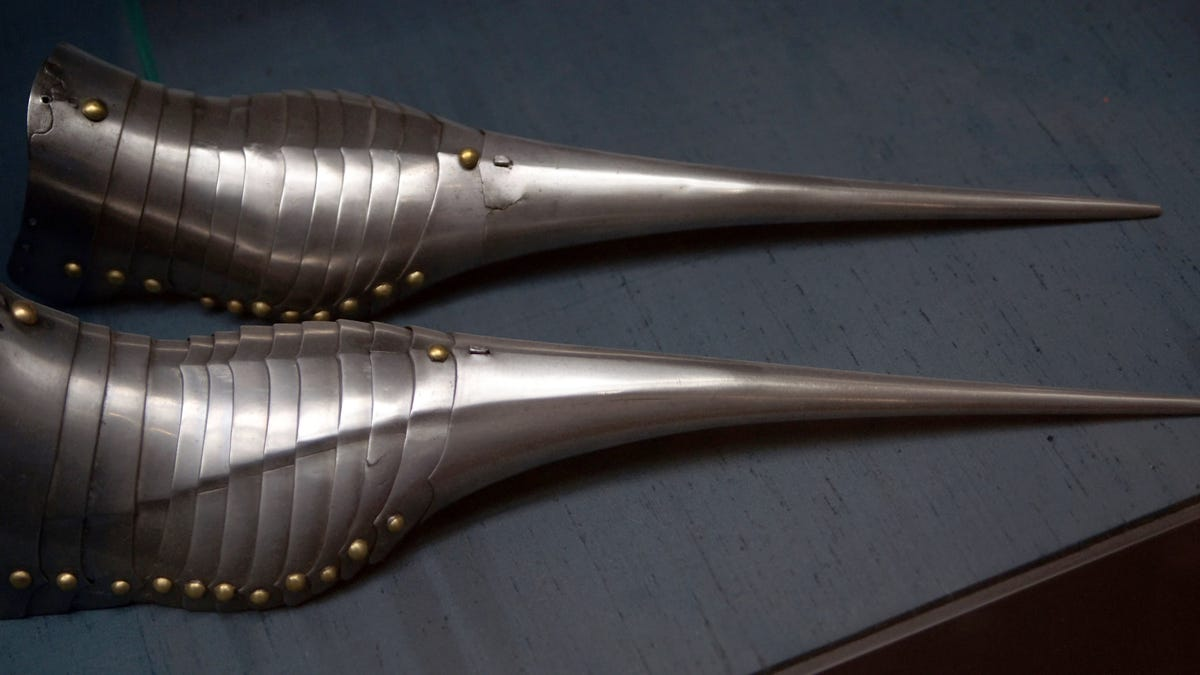 RT @Gizmodo: Extremely Sexy Pointy Shoes Warped the Feet of Medieval Europeans