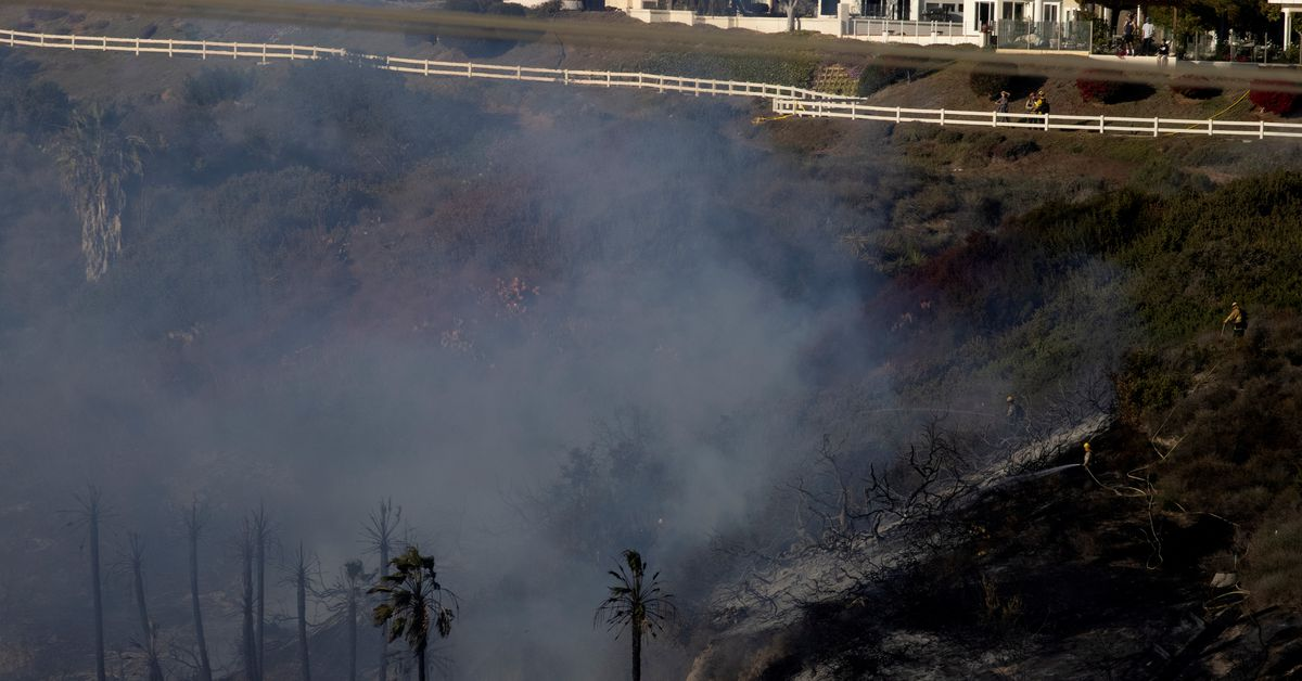 Study faults California for building homes in wildfire areas https://t.co/oTRhtQ9FY5 https://t.co/IXKEFNICFn