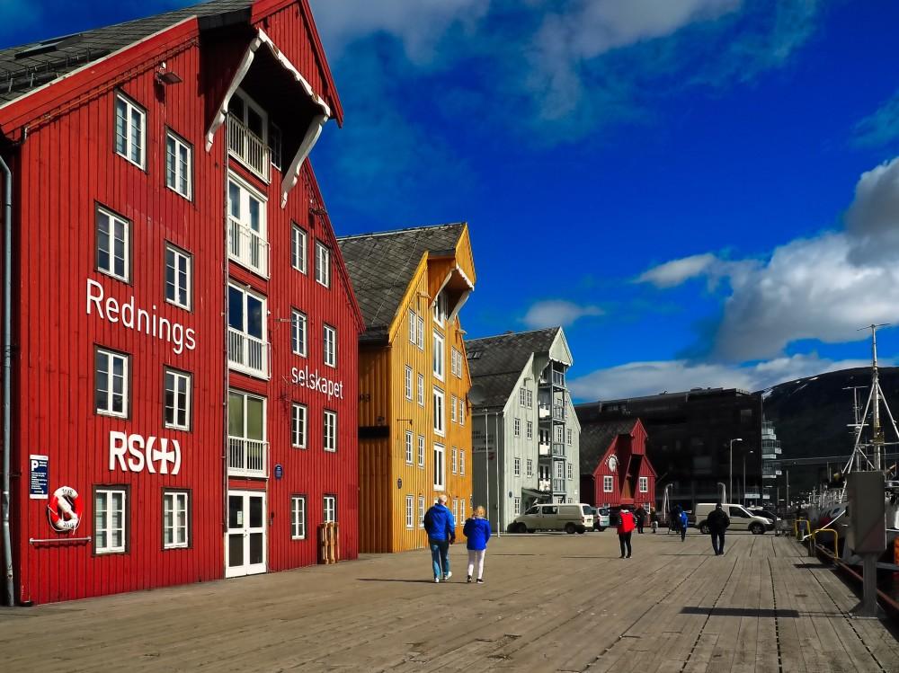 Telia med 5G i Tromsø https://t.co/AiLjMixWeD https://t.co/cOKz5Via10