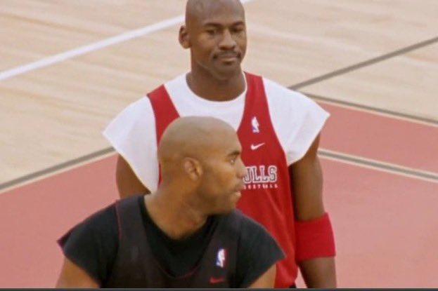 @NBA @spidadmitchell @utahjazz Donovan looking at the clips defenders https://t.co/WesKUnIdDo
