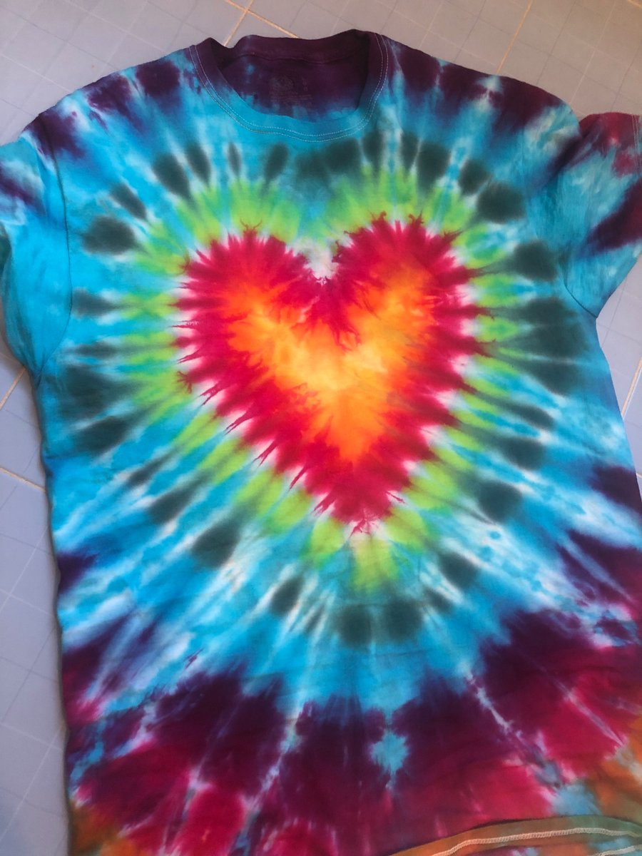 test Twitter Media - I love Tie-Dye, especially when a chemist mixes the pigments and the chemistry is so right. @kcmittiga84 @ACSChemClubs #RyeHighChemClub https://t.co/xYI9S8ruSg