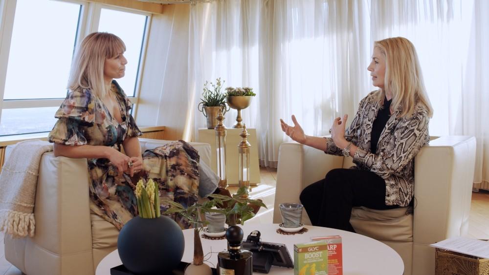 """Tina Nordström pratar energi och mental styrka i """"Wilson pratar hälsa"""" https://t.co/mbFIonPnAN https://t.co/KkLnBajdl1"""