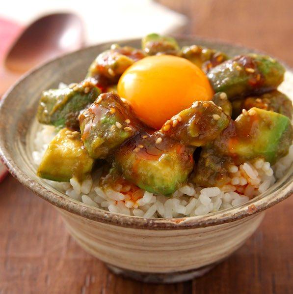 アボカドは「焼肉のたれ+ごま油」和えるだけで飯泥棒化!お手軽美味しいレシピで夏を乗り切ろう!