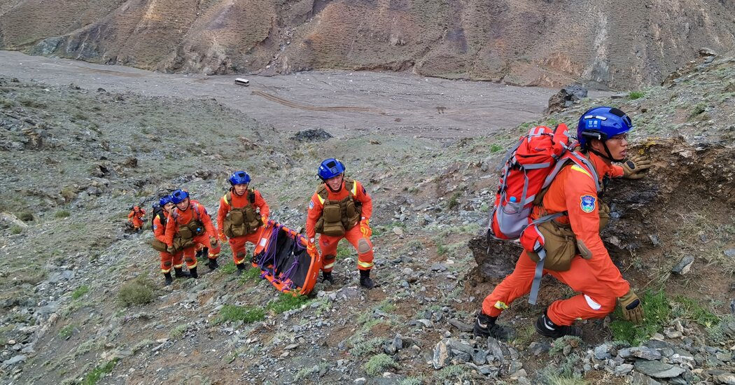 China Accuses 32 in Ultramarathon Disaster, but Main Suspect Is Dead Photo