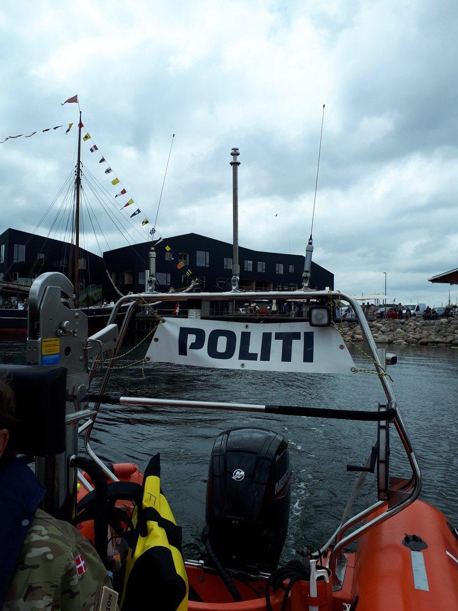 På maritim kontrol i Holbæk Fjord.  #politidk https://t.co/6wjIOEGQHf