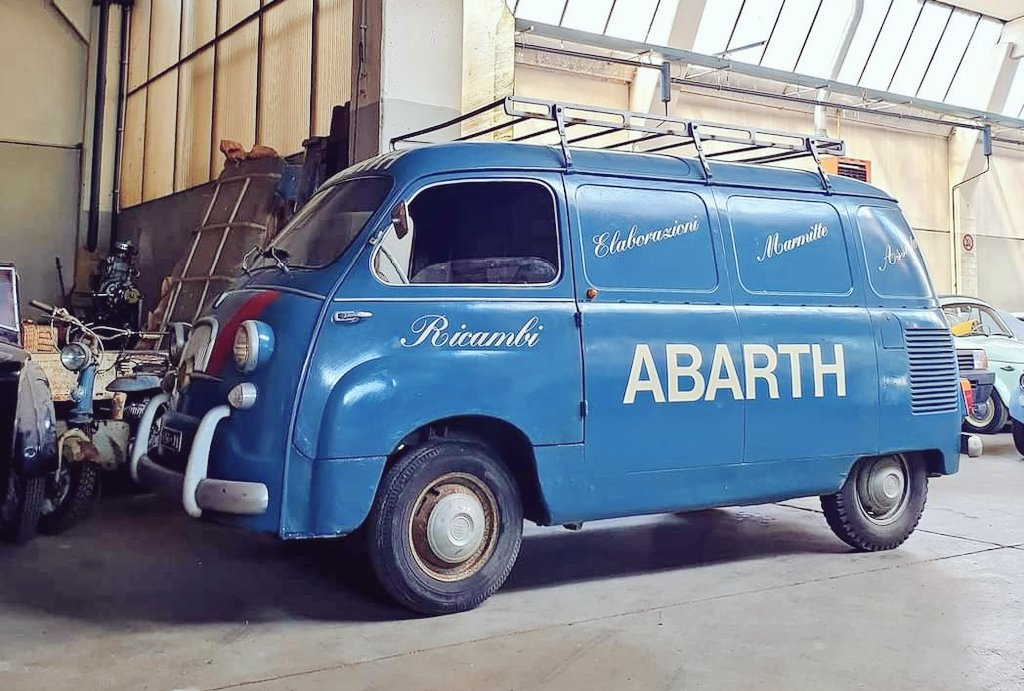 Fourgon Fiat Ricambi Abarth #Fiat #Fiatfriday https://t.co/4RY7jnD6nq