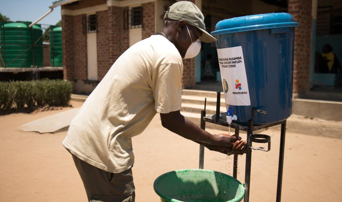 When thieves stopped water flowing at a Malawi health clinic, our partner @Americares stepped in. Learn more about how we're partnering to improve liv...
