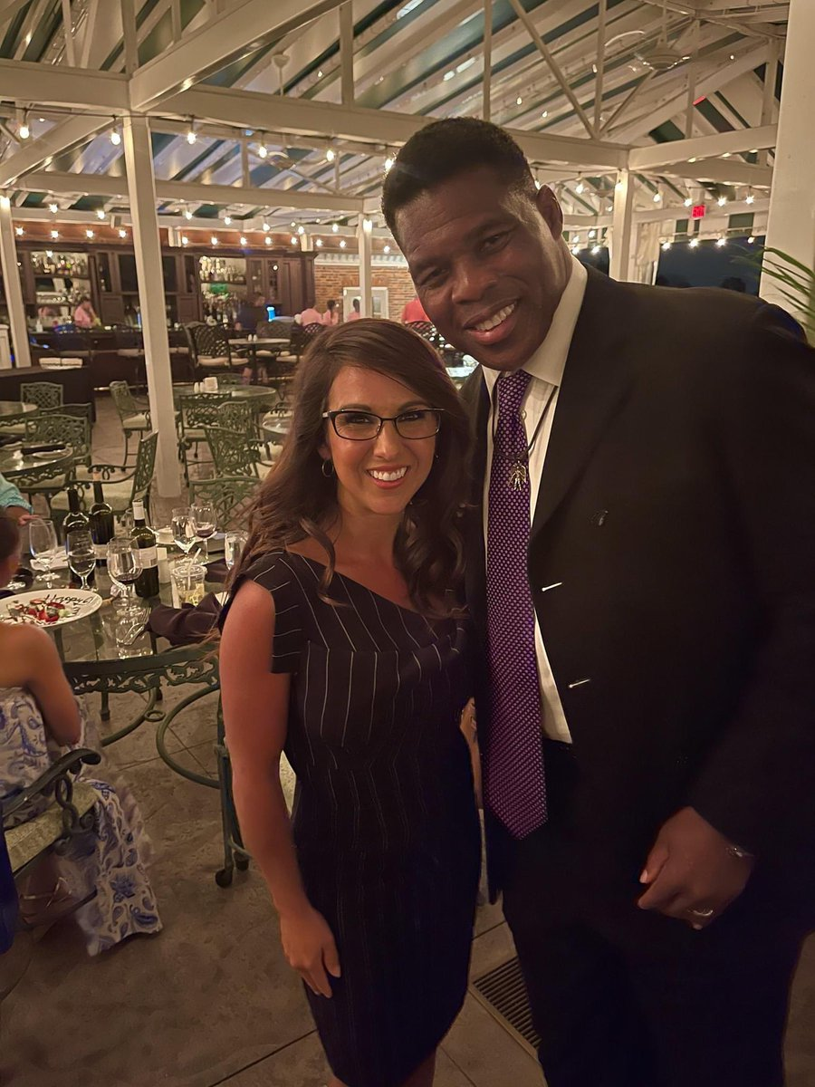 Wonderful to meet @HerschelWalker, a great football player and a true patriot.  Georgia and the USA would be so much stronger with him in the Senate. https://t.co/w8LhAL6dQ6