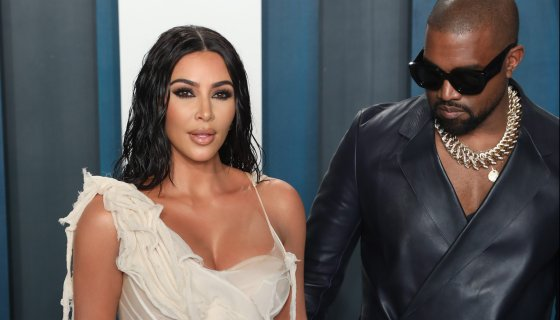 Kanye West unfollows Kim Kardashian and her sisters on Twitter Photo