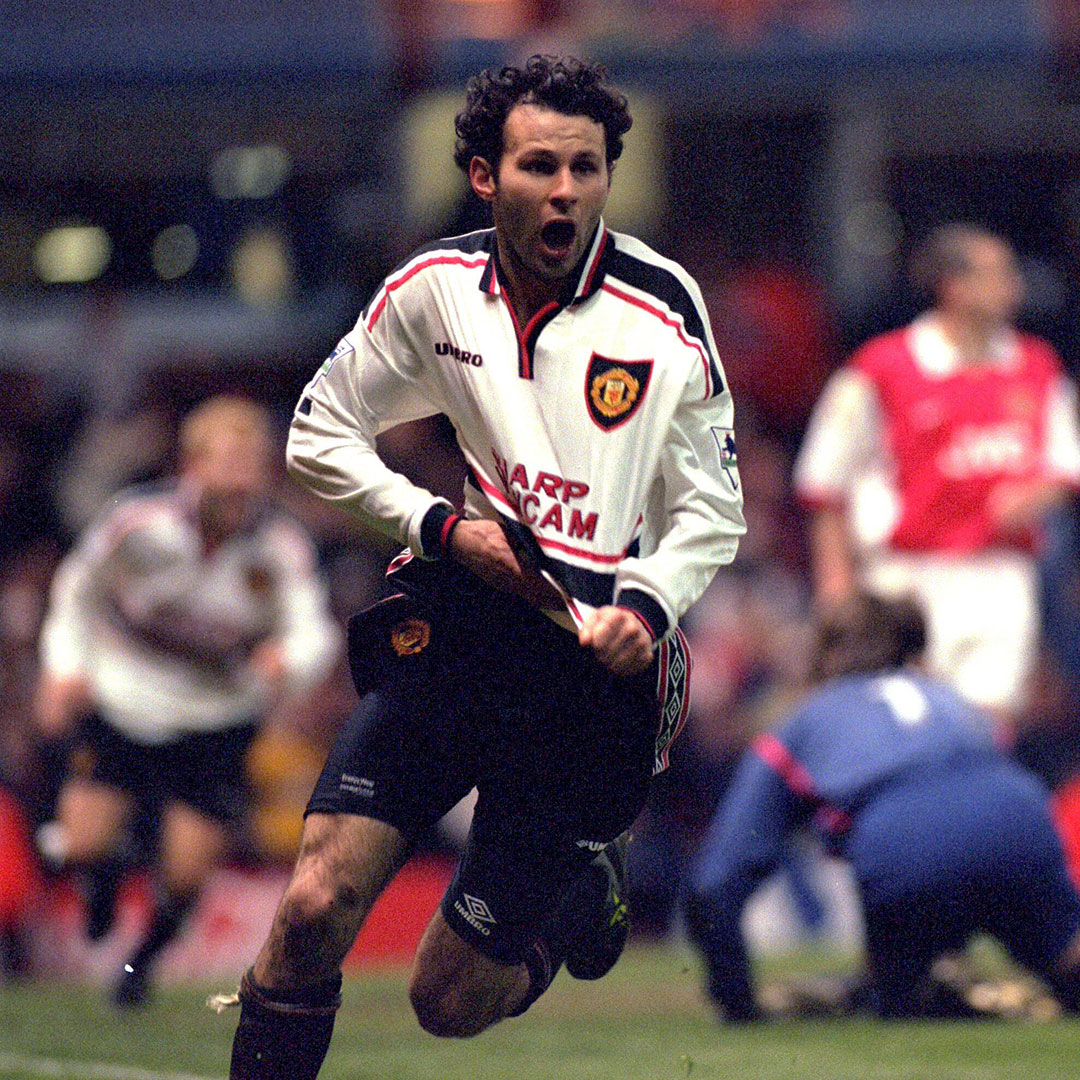 There have been some memorable goals from Welshmen throughout United's history... 🏴  #MUFC https://t.co/h2LAq8ZLBD
