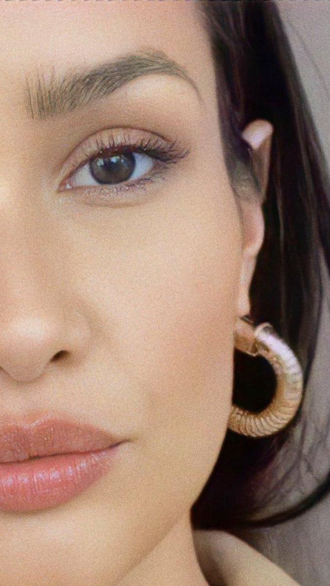olha essa mulher, esses olhos... 😍 https://t.co/SICjfflbgD
