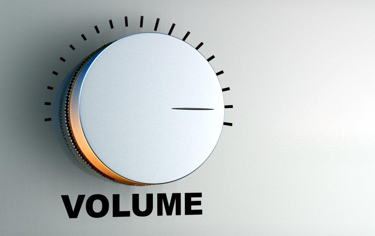 Hold volumeknappen i ro og spar lidt på stemmebåndet, hvis du fester med vennerne – Særligt nu hvor bylivet lukker tidligt ned, og du ikke kan fortsætte festen på et diskotek, skal du holde øje med lydniveauet, hvis du fortsætter festen i privaten eller i det fri #politidk https://t.co/vk7PDLKEPI