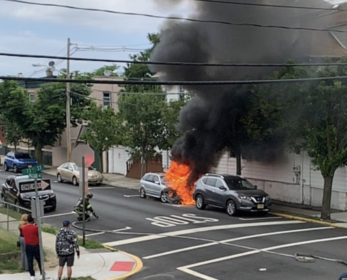 Car fire on 73rd Street and Palisades in North Bergen https://t.co/jugyQ1Fzdv