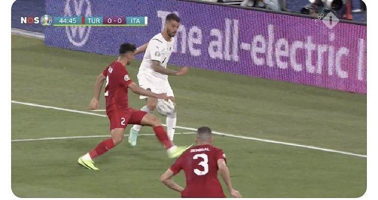 Bu penaltı bize verilmese diplomatik sorun çıkardı 😅#EURO2020