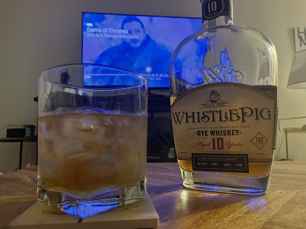 And we finish off the night with a belly full of steak and a glass of the finest. @WhistlePigRye 🥃  And an episode of Thrones. Rest well my friends… a new episode of @BamSlamPod drops tomorrow. https://t.co/LAczdDgXl2