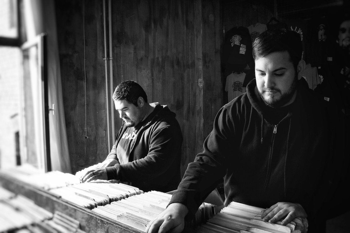 #fbf as we look forward to Cell Injection's 3 hour set at @lacompound we have to appreciate the work put in by @drumce11 and @truncate_la for MANY years to build and nurture the techno scene we now enjoy right here in LA 🙏🏼🖤  Next week is gonna be 🔥 https://t.co/aHYVhztiFY https://t.co/vgI44PtVHI