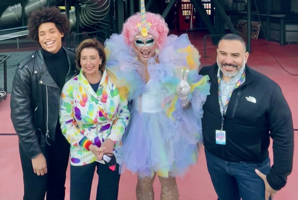 All in this together: kicking off the San Francisco premiere of #InTheHeightsMovie at #SFPride with Freddie Seipoldt, Rock Sakura and Fred Lopez. https://t.co/zXIBLMhgPb