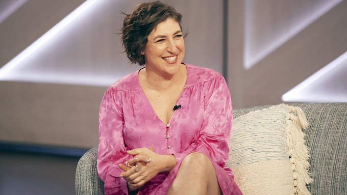 'Big Bang' alum Mayim Bialik says she 'felt different' growing up in Hollywood: 'It was definitely abnormal' Photo