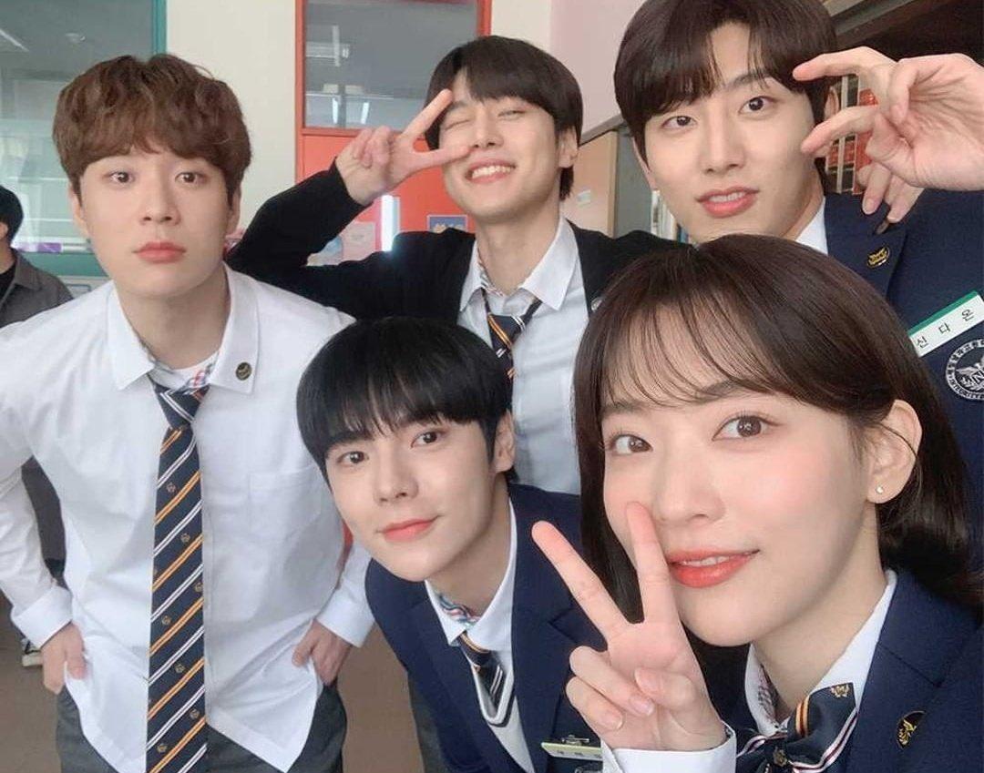 """물melon on Twitter: """"the cast of a new korean bl series """"light on me"""" looks  great. #새빛남고학생회… """""""