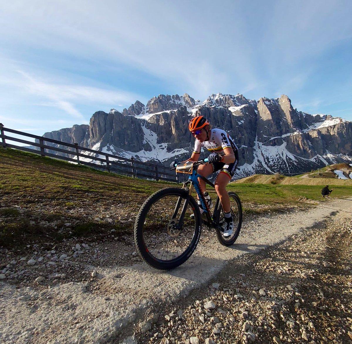 On Passo Gardena first Elite lady, 60km, Katazina ...