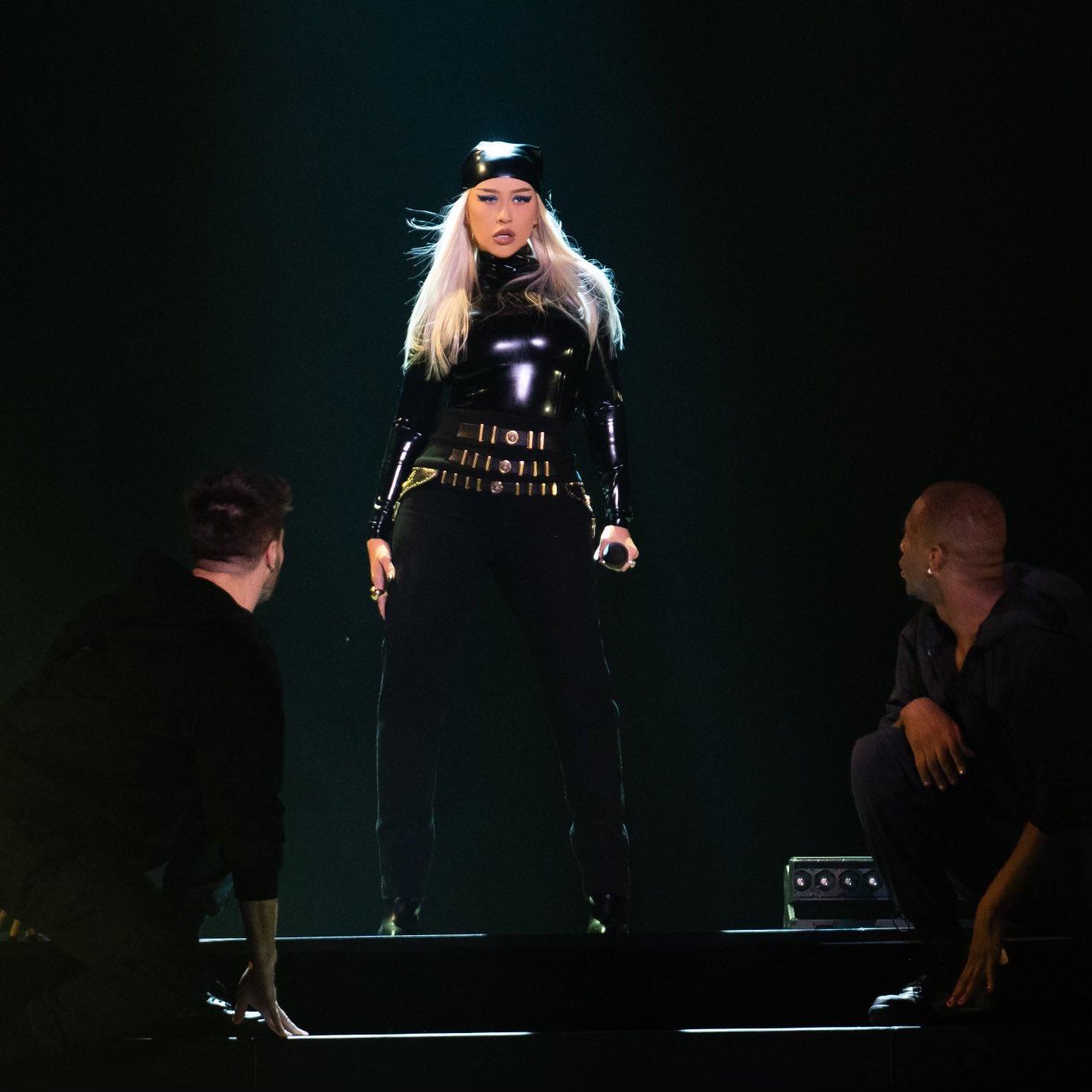 Christina Aguilera >> preparando nuevo álbum - Página 16 E3qSu5UXwAItlaj?format=jpg&name=large