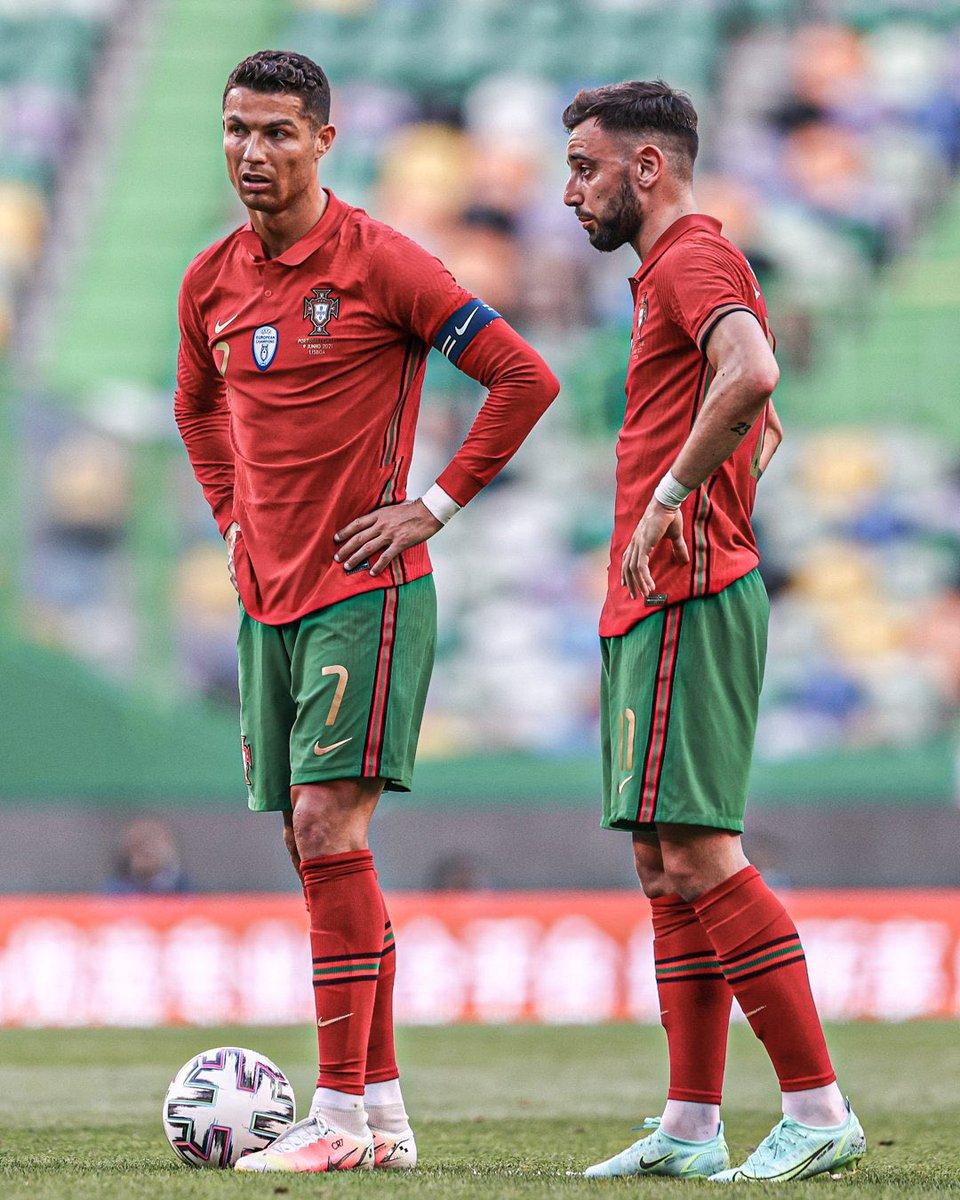 Portugal have a penalty, who's taking it? 🤔 https://t.co/8razPtSBLB