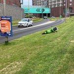 @Peter2040 - @gosharingoff Goedemiddag Robert, deze scoot ligt in Barendrecht nabij het winkelcentrum. Geen idee of hij nog berijdbaar is. Gr. Peter. https://t.co/yUcr4iPP8e