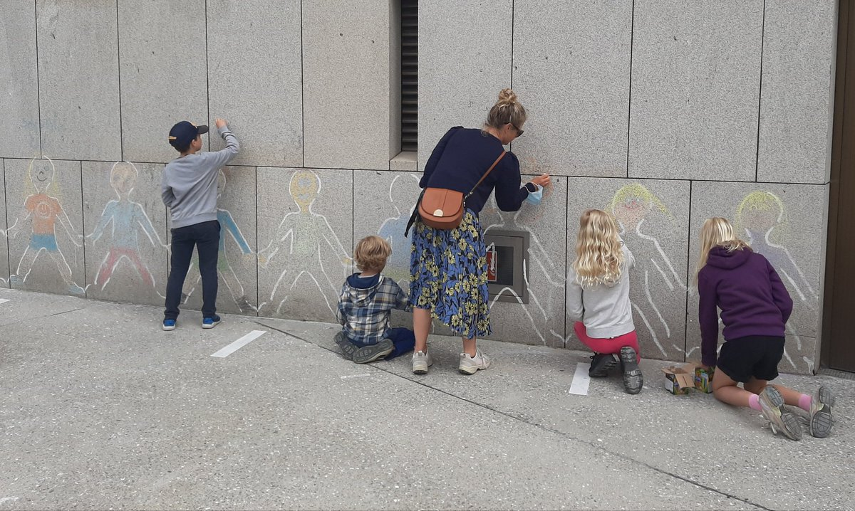 Fantastic work by all our Chalk artists this morning for #CreativeIreland #CruinniuNanOg2021 #Cruinniu2021 Join us & leave your mark! Thanks @HarnettMags Fala & Alanna and @ArtscopeI @dlrLexIcon @dlrcc https://t.co/vrmMngp7Bw