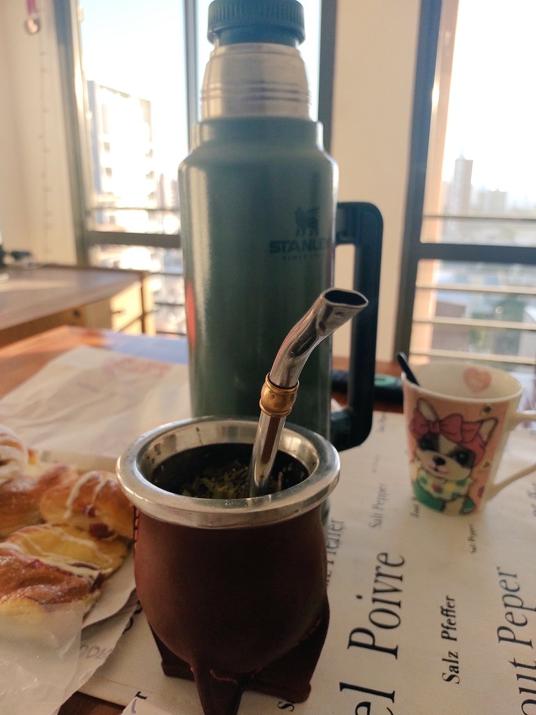 Las mañanas acompañados se sienten mejor #Pauli ya está acompañando el desayuno 🤩 https://t.co/9NIWaiR7CO