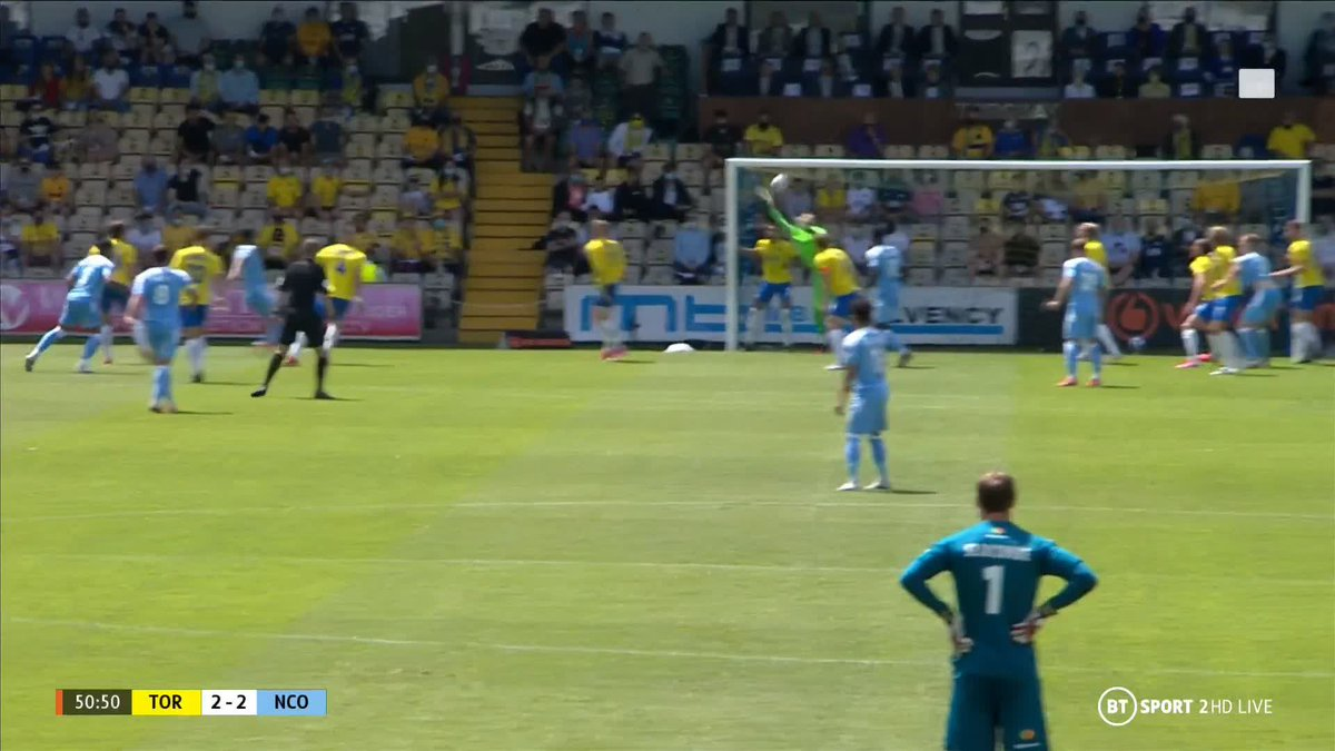 Wow, this game! 🤯  Adam Chicksen smashes the ball into the net and Notts County fight back once again 👊 https://t.co/NiuHtdwwzU