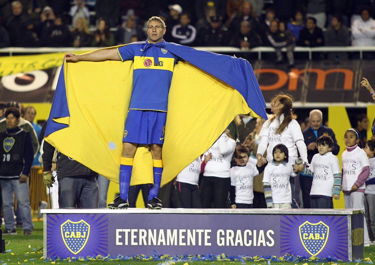 cuando era chica me regalaron mi primera camiseta de Boca, obvio, de Riquelme, ese día me enojé porque yo queria la de Palermo. No te amaba mas porque no me daba mi cuerpito, gracias por todo Martin 💙💛