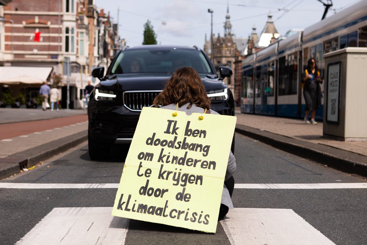 Internationale Rebellion of One: luister naar mij, ik ben bang!  📸: Catharina Gerritsen https://t.co/yEQLIB21p7