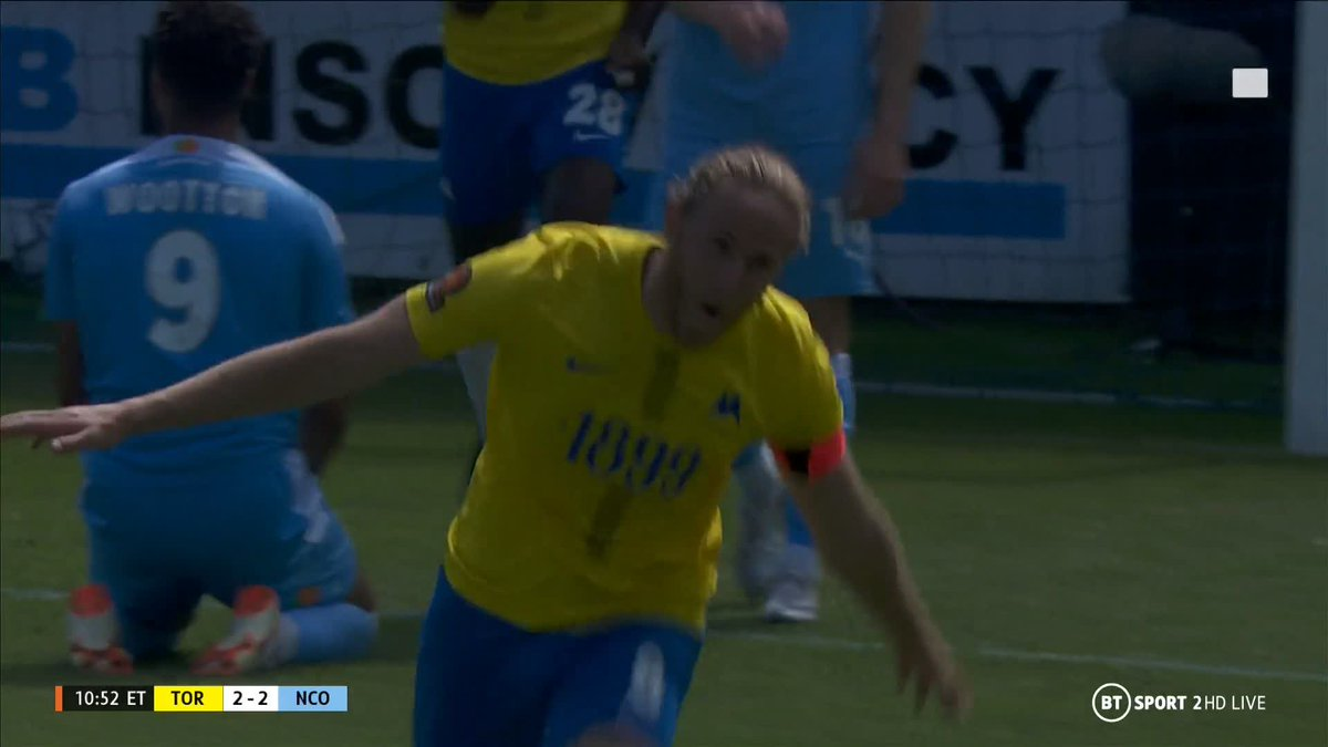 Torquay go ahead for the third time in the game!  Asa Hall with full-on commitment, as he takes a cut above his eye for his troubles... 🤕  Can they hold on in extra time? 🤔 https://t.co/2iZtNSHsDw