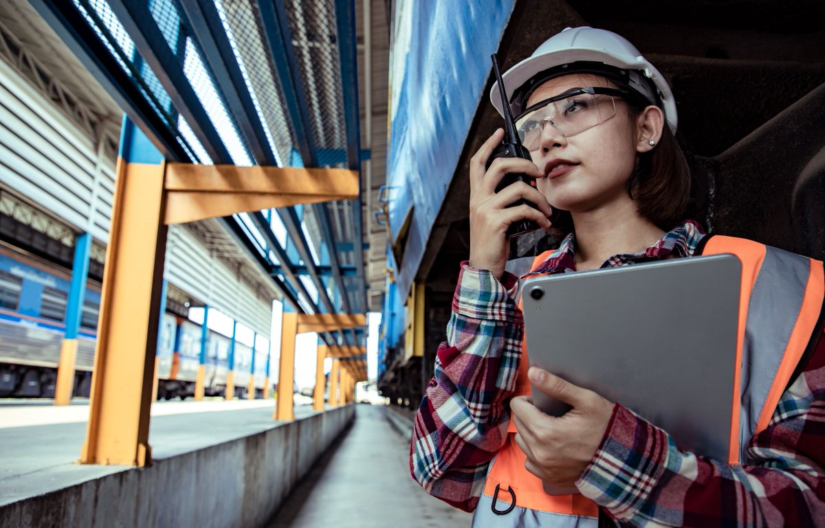 On average, only 23% of employees in the transportation sector across Europe and #CentralAsia are women. Without more female voices in the industry, the region's rail services will be less responsive to public needs and less appealing a mode of transit. More #WomenInRail needed! https://t.co/q9m3EHHDQK