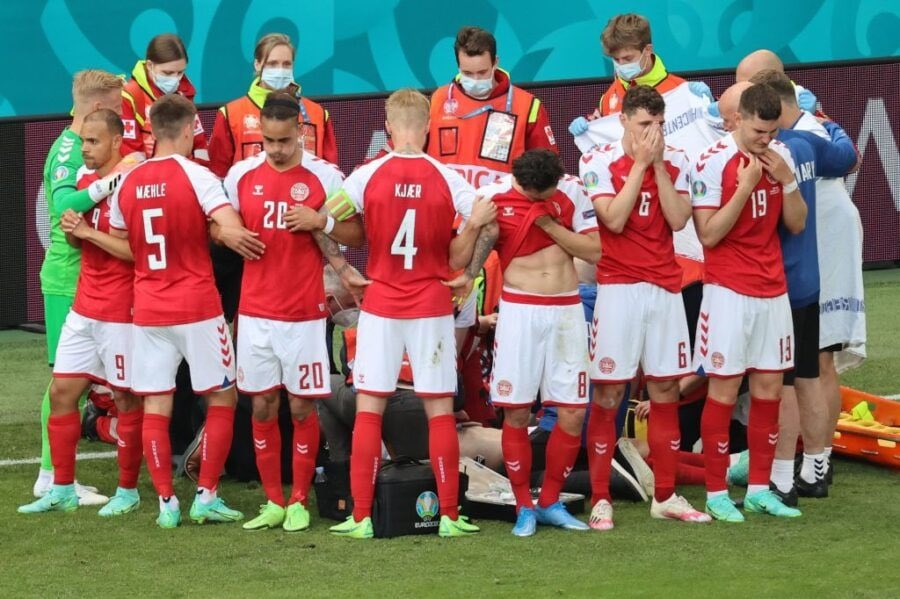 UEFA Sport Respekt: Menschlichkeit Fußball Familie bekommt auch glückliches Nachricht  von Christian Eriksen ..