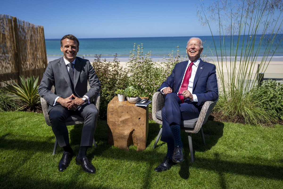 President Joe Biden enjoys a light moment with President Emmanuel Macron of France during their meeting at the G7 Summit in Carbis Bay, Cornwall, UK. @POTUS https://t.co/KLfHAtdt0u