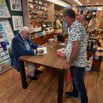 @BarendrechtnuNL - Signeersessie van Mart Smeets bij The Read Shop op de #Middenbaan #Barendrecht (nog tot 17:00 uur) - https://t.co/IX3xjseyE5 https://t.co/wV4XjD4Y9U