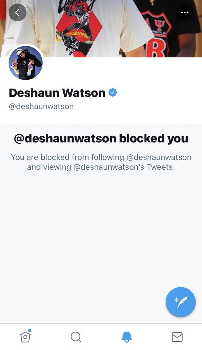 Yoooooo I'm blocked by Deshaun Watson WTF!?!?!? https://t.co/VrRFkN4SnO