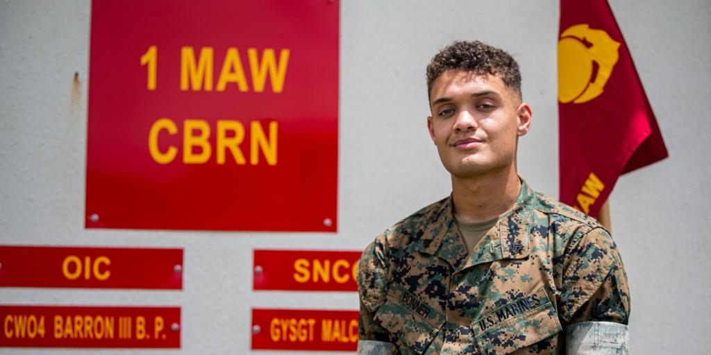 """""""I did what any Marine would have done.""""  Cpl. Dominick Bonner received a Navy and Marine Corps Commendation Medal for his selfless acts and determination providing life saving CPR to an Okinawan local for over 10 minutes until paramedics arrived. #Marines https://t.co/YBa0A76X3l"""